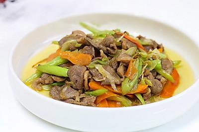 下饭菜炒鸭胸肉,跟肉丝一样炒来吃