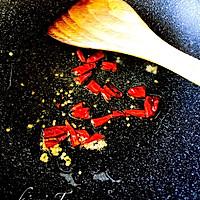 绿豆芽炒肉的做法图解2