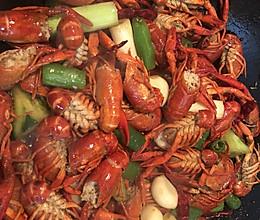 天然食材油闷小龙虾兵的做法