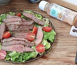 #321沙拉日#牛排蔬菜沙拉的做法