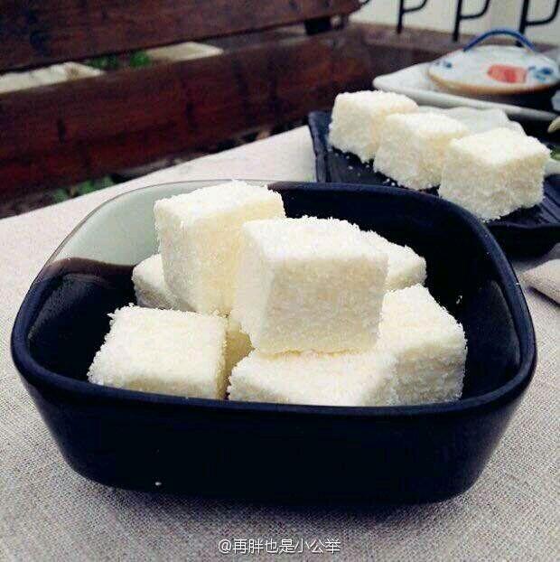 牛奶椰蓉小方