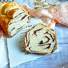 #餐桌上的春日限定#春风轻柔云石豆沙吐司(面包机版)