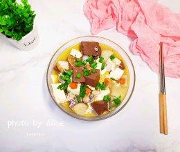 #家乡菜#蟹肉豆腐烧鹅血的做法