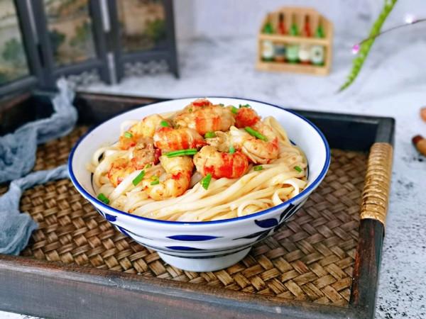 麻辣小龙虾拌面的做法
