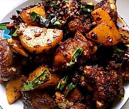 老干妈豆豉炒排骨的做法