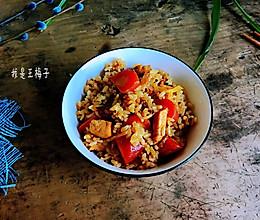 鸡胸肉焖米饭的做法