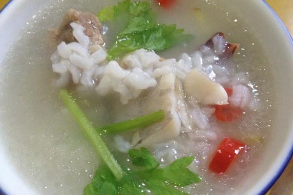 排骨鲳鱼粥的做法