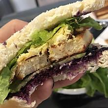 #夏天夜宵High起来!#香脆吐司片蓝莓三明治