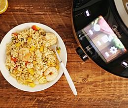 柠檬菠萝虾仁炒饭的做法
