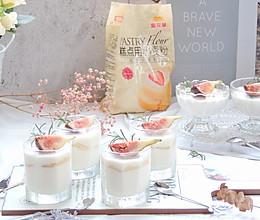 #爱好组-低筋复赛#草莓酸奶慕斯的做法