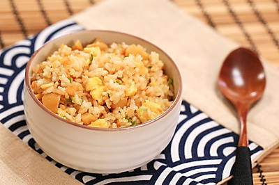萝卜干蛋炒饭—迷迭香
