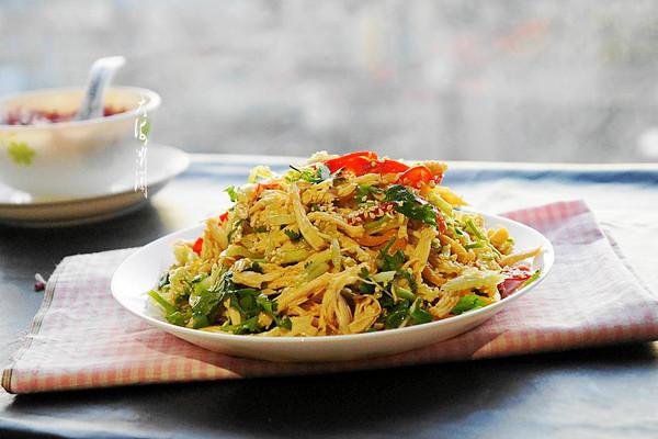 凉拌鸡丝#金龙鱼外婆乡小榨菜籽油 最强家乡菜#的做法