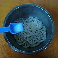 两个窍门教你做出洁白爽脆又完整不碎的凉拌藕片的做法图解6