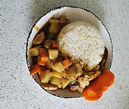 超简单的咖喱鸡肉土豆饭的做法