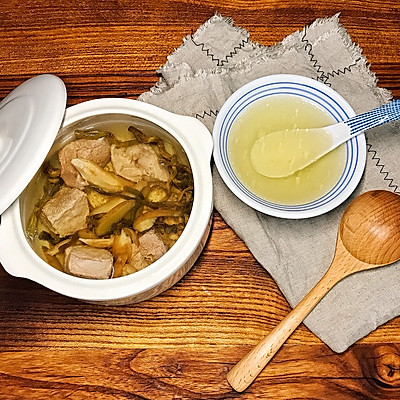 西洋参石斛炖瘦肉-(清热滋润养颜)