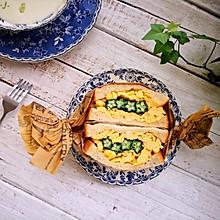 快手早餐秋葵鸡蛋三明治