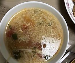 番茄金针菇汤的做法