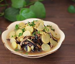 蘑菇炖土豆片:的做法