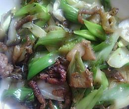 猪肉炒大葱的做法