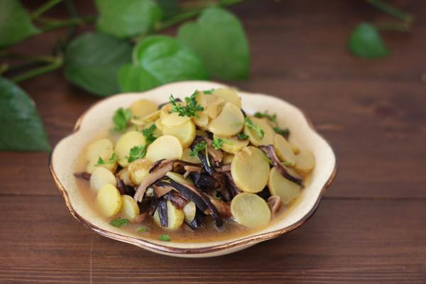 蘑菇炖土豆片: