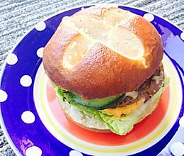 【孤独的留学生】自制牛肉小汉堡的做法