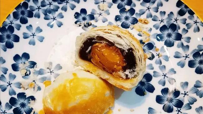 10个蛋黄酥的方子 简单不复杂喔的做法