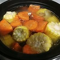 #做道懒人菜,轻松享假期#补钙神器玉米煲大骨头汤的做法图解4