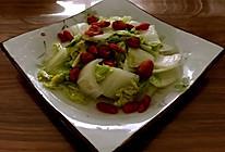 枸杞桂圆清炒白菜的做法