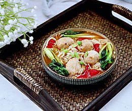 #秋天怎么吃#金针菇墨鱼丸子汤的做法