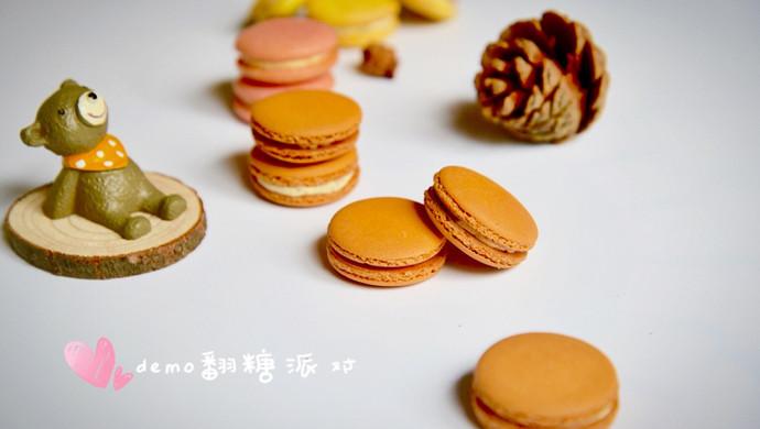 法式马卡龙(附蔓越莓奶油馅做法)