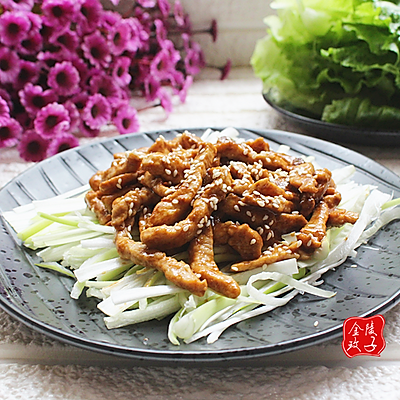 生菜搭配京酱肉丝,大快朵颐营养美味!
