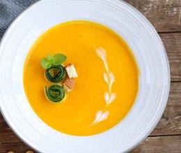 #美食新势力#简单版奶油南瓜汤的做法