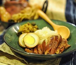 一碗充满执念的卤猪肘饭的做法