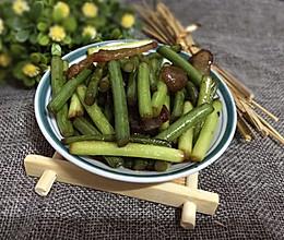 蒜薹炒腊肉---美味快手菜的做法