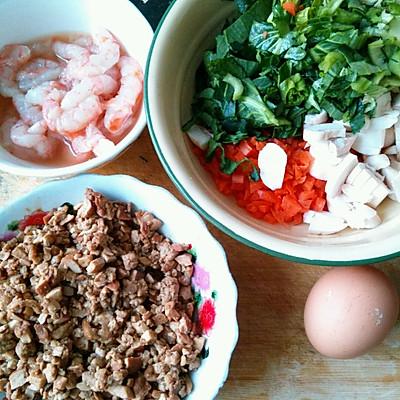 虾仁杂蔬蛋炒饭的做法 步骤2