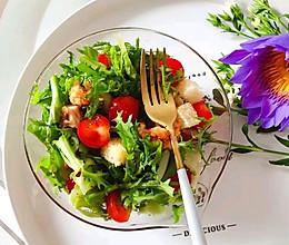 #换着花样吃早餐#超美味的炸鸡沙拉的做法
