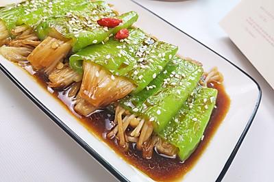 虎皮尖椒金针菇,好吃又下饭。