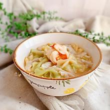 #快手又营养,我家的冬日必备菜品#鲜虾蝴蝶面(9+宝宝辅食)