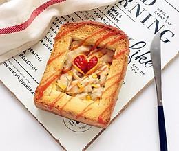 #520,美食撩动TA的心!#爱心鸡肉厚多士的做法