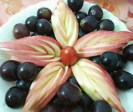 果盘装饰苹果开花的做法