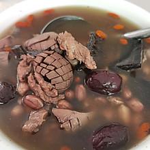 杜仲猪腰枸杞汤