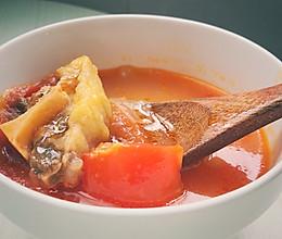 #做道懒人菜,轻松享假期#番茄牛尾汤的做法