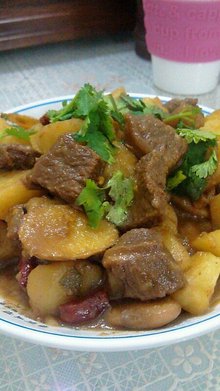 妈妈菜——土豆烧牛腩的做法