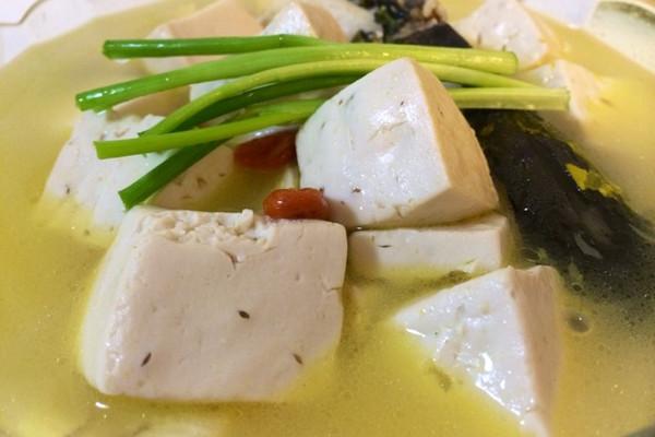 昂刺鱼豆腐汤的做法