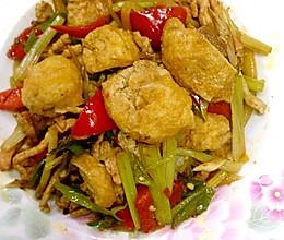 辣椒油豆腐炒肉的做法