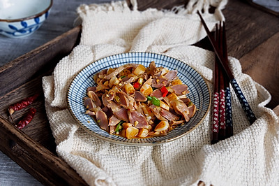 泡椒藕带炒鸡胗