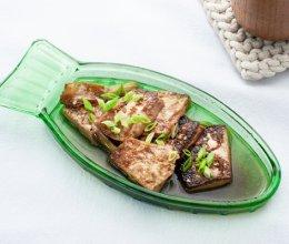 青蒜酱油煎豆腐的做法
