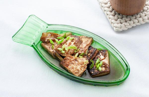 青蒜酱油煎豆腐