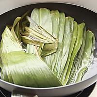 鲜肉鸭蛋黄粽子(内含红豆大枣口味)的做法图解6