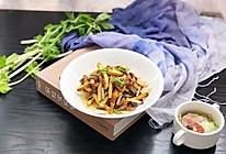 下饭菜-芹菜肉丝炒豆干的做法